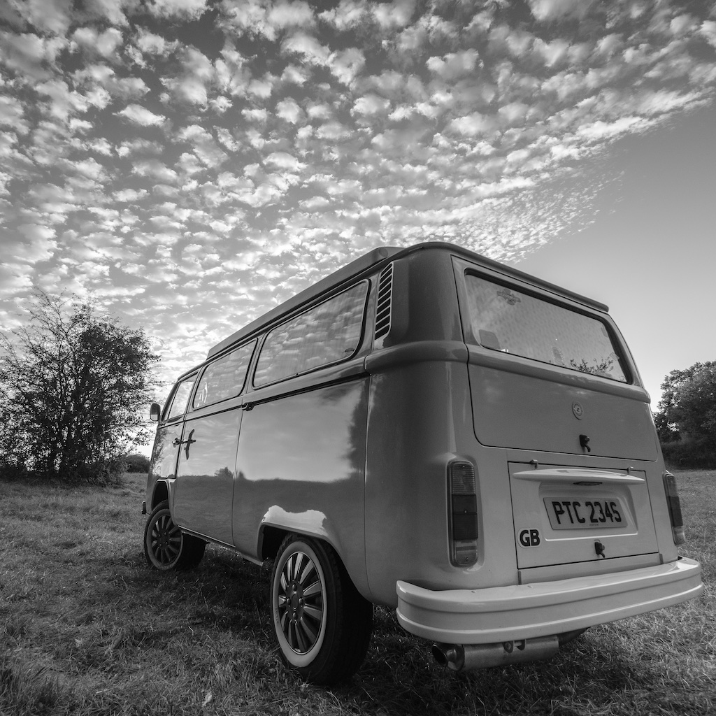 Vintage VW Kombi Accommodation - Camping at UTLT Bed and Breakfast